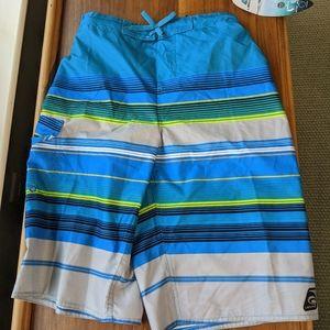 ⭐NWT⭐  Laguna boys' swim Size 18-20